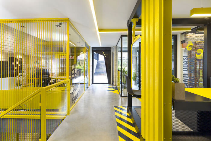The power of color in office interiors 3