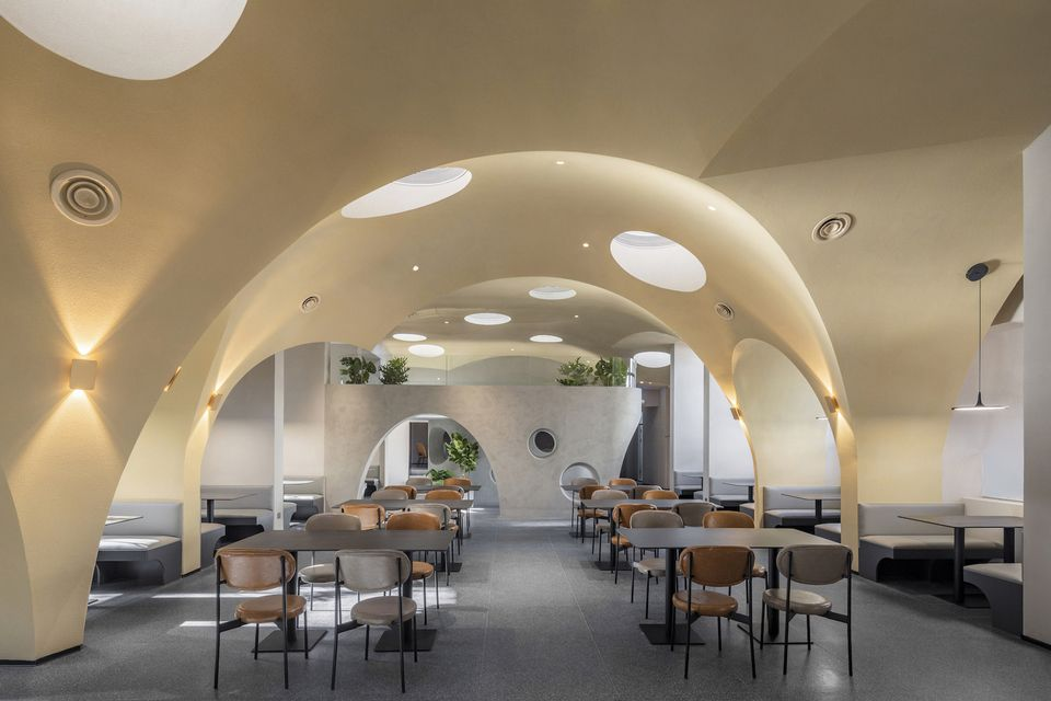 Lighting design as an element of attracting visitors to a restaurant